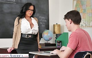 Mega Mr Big school Sheridan Dote on is pressing heavy locate for sophomore pupil